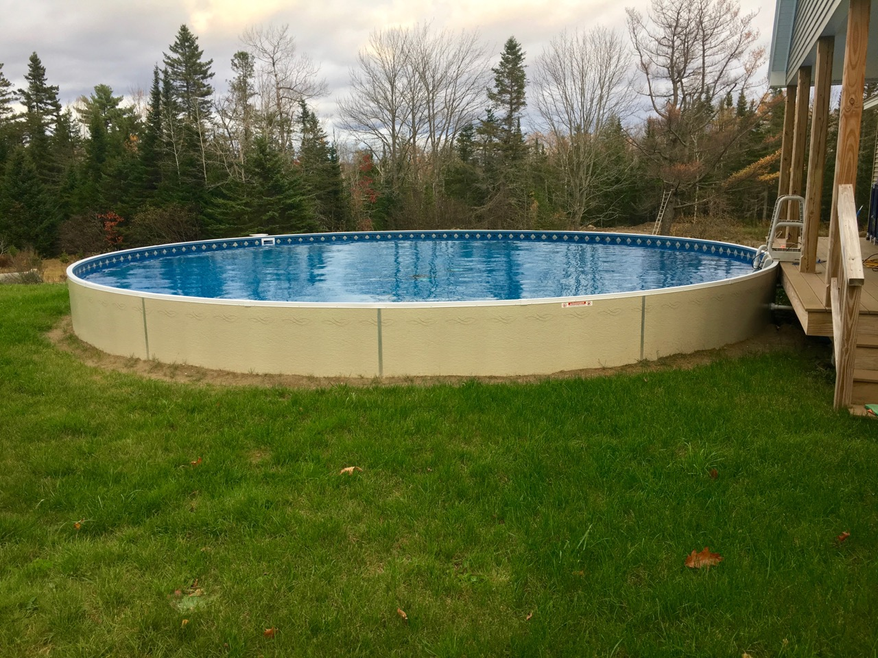 Radiant Pools Island Pool Amp Spa